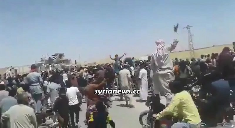 Syrians Block Stolen Wheat Convoy Heading to Turkey